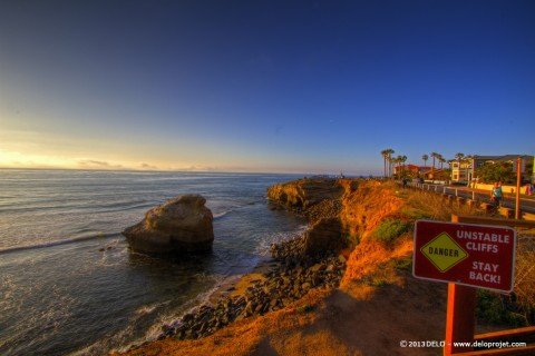 Sunset Cliffs, surfing in the sunset – San Diego