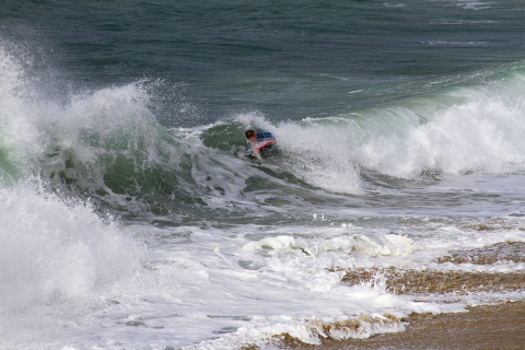 Movie of surfing at the Blancs Sablons Bretagne