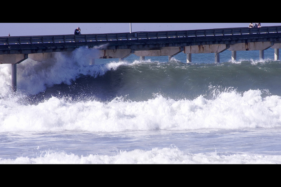 Movie of surf at OceanBeach San Diego California