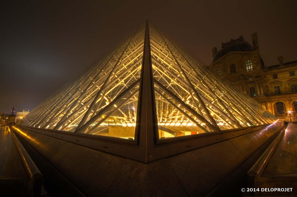 paris-monument-night-06