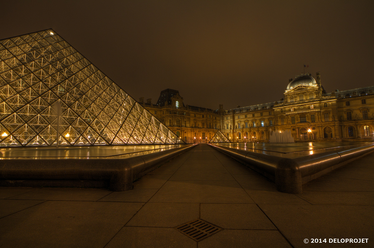 paris-monument-night-07