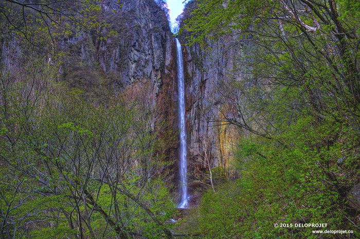 Yogano trail top 100 waterfalls of Japan
