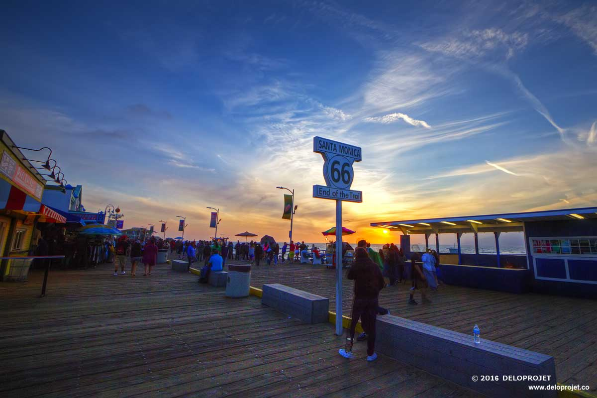Enjoy the sunset in Santa Monica pier California