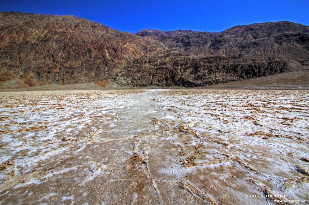 DELOPROJET | Badwater Basin is a must to visit in Death Valley